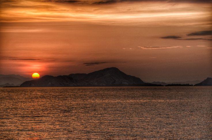 Mata Dewa, heading back from Loh Buaya (Rinca Island) to Labuan Bajo. Flores NTT - Indonesia