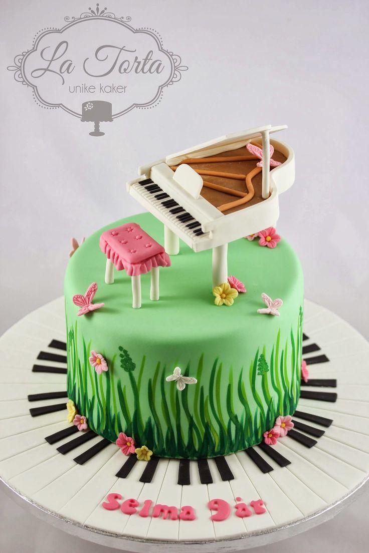 La Torta: Bursdagskake - flygel i blomstereng