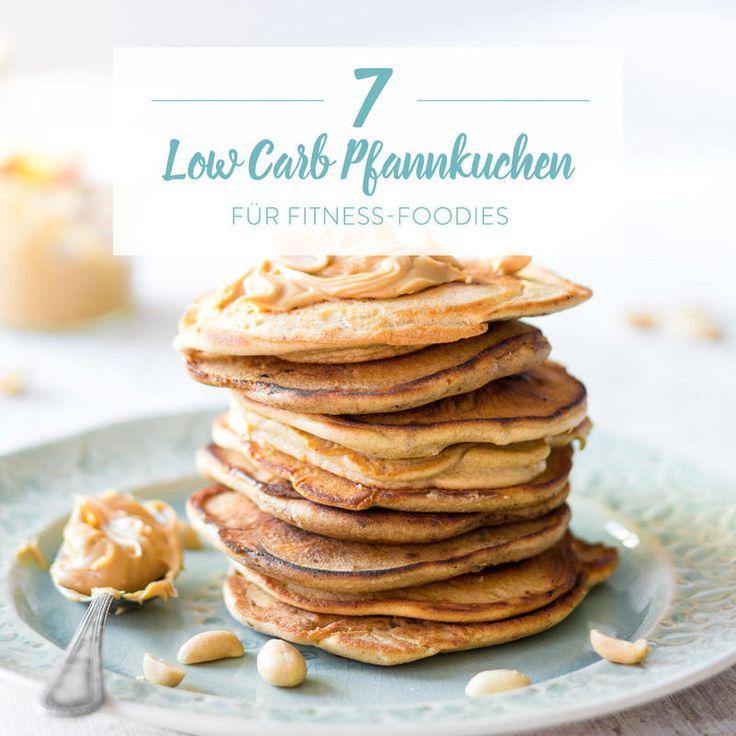 Cheesecake trifft Pancake trifft Low-Carb-Bäckerei. Wie das zusammenpasst? Mandelmehl, Frischkäse und Eier verrühren. Und ausbacken. Besonders fluffy!