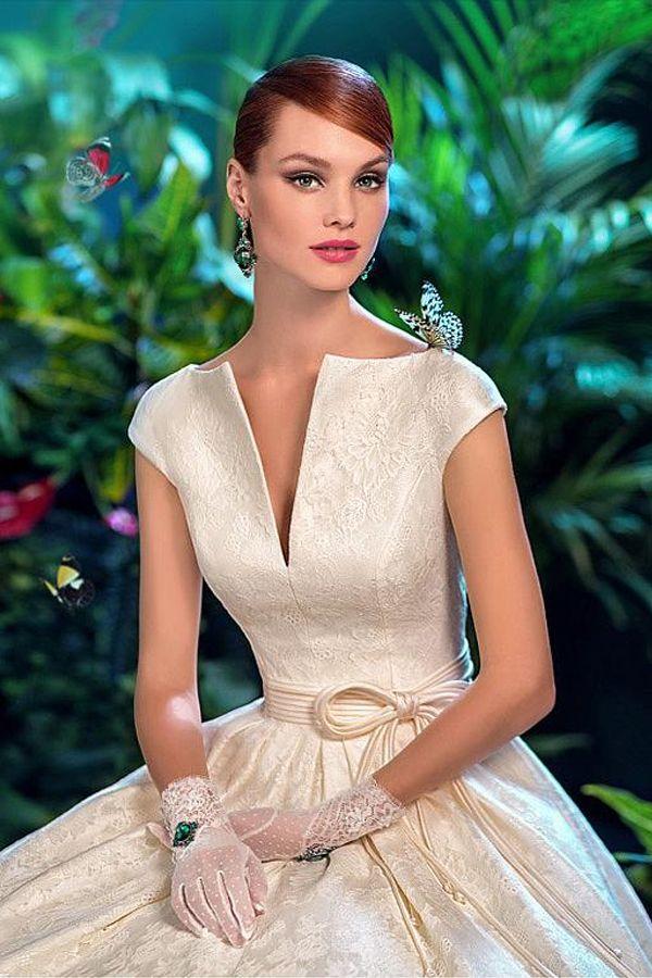 Graceful Lace V Neck Neckline Natural Waistline A Line Wedding
