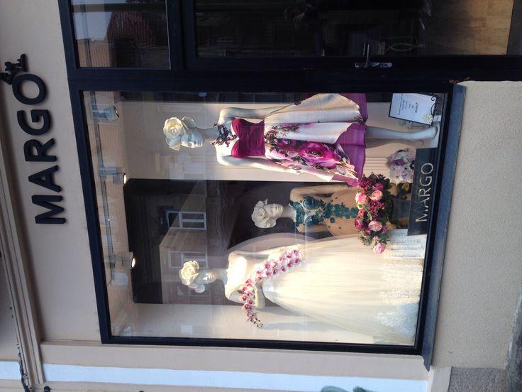 Va așteptam cu drag la MARGO unde orice vis poate deveni realitate! ☺️ B-dul 15 Noiembrie, nr. 36 Brasov 0744912749 Luni-Vineri: 10:00-19:00 Sambata: 10:00-14:00 #windowshopping #vitrina #margo #margoconcept #showroom #showroomdresscode #showroomdemoda #dress #luxury #luxurydress #eveninggown #eveningdress #bride #flowers