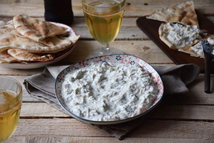 Tavuk salata (tzatziki au poulet et aux cornichons) - FashionCooking