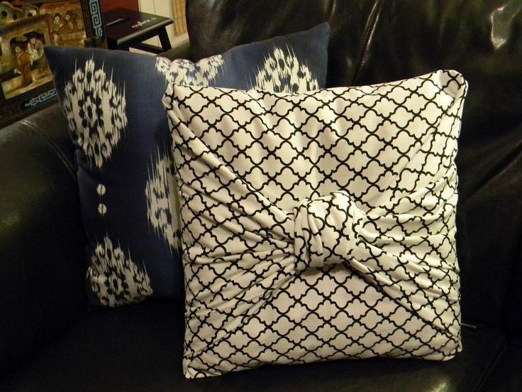 Knotted Throw Pillow - no sew, and only 1 piece of fabric. I can do this! Thank goodness! A simple solution for my pillows that I've been dying to fix up!