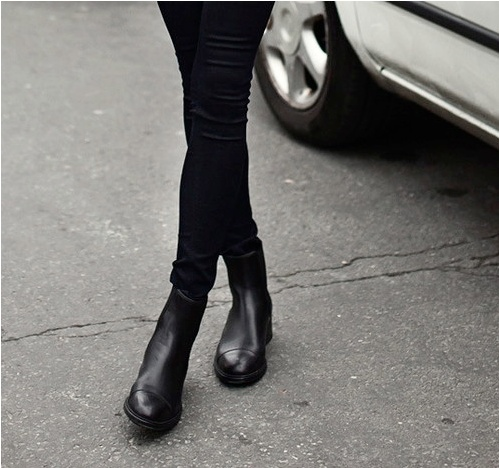 Black Chelsea boots - In love with those boots !