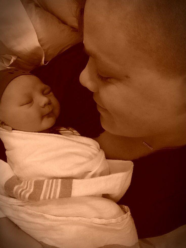 Pink: la cantante è mamma bis! - Pink è diventata mamma per la seconda volta. Il piccolo Jameson Moon è nato il giorno di Santo Stefano, dopo una gravidanza segretissima... - Read full story here: http://www.fashiontimes.it/2016/12/pink-cantante-mamma-bis/