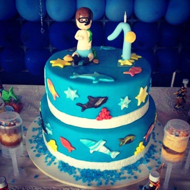 No fundo do mar também teve festa!  1aninho do Felipe  #bolofundodomar #bolocenografico #bolocompastaamericana #confeitaria #confeiteiras #pushpopcake #pushcakepop #tudodameldoce #meldoce #vemdemeldoce