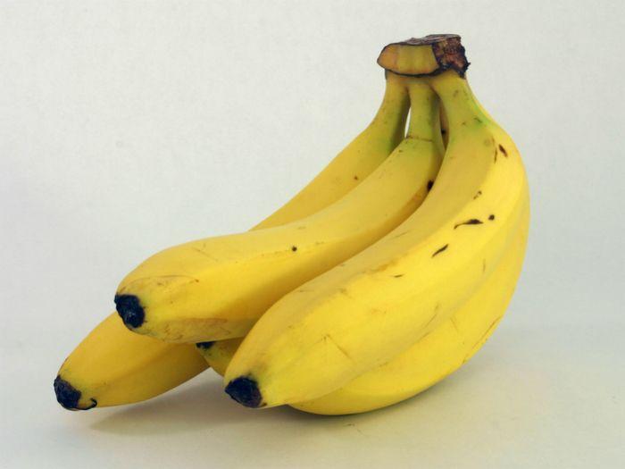 Para que no se pongan feos: meter en frigorífico en una bolsa junto con medio limón
