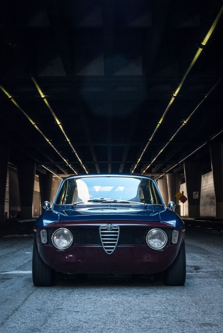 This 1966 alfa romeo giulia sprint gt has been extensively modified as a track day fast road car the seller has owned the car for 10 years and the build