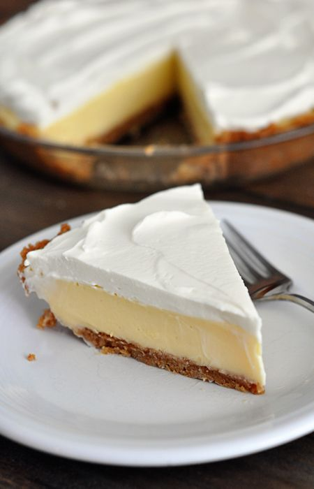 Lemon Cream Pie ~ Utter summer desert perfection. So refreshing and very easy.