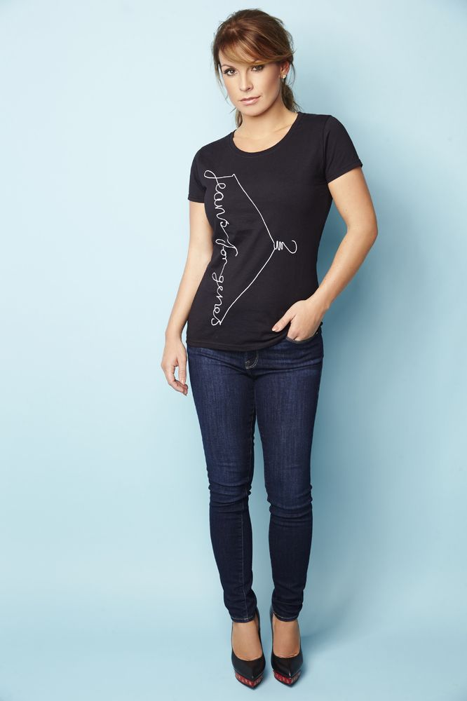 Kate Moss And Other Celebs Team Up To Support Jeans For Genes Day - Get your own Jeans for Genes limited edition Fashion Tshirt or other merchandise (denim bag, white Tshirt, badges...) by clicking here: http://www.jeansforgenesday.org/webshop/