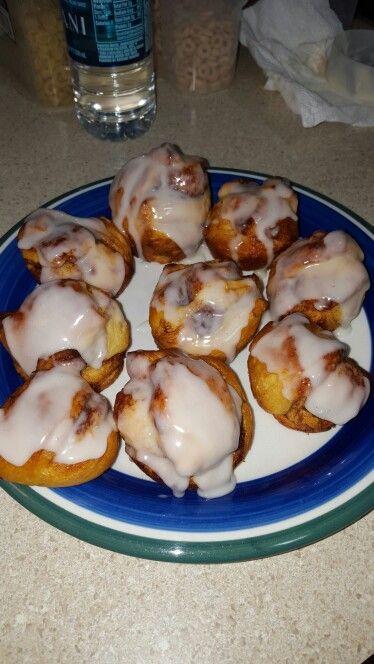 Cinnamon roll muffins | deserts | Pinterest | Cinnamon Roll Muffins ...