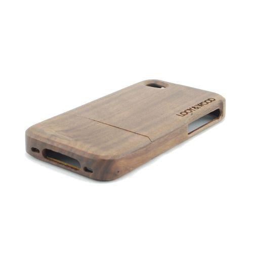 Geef jouw iPhone extra uitstraling met ons houten telefoonhoesje Chobe. Het Walnoot hout geeft jouw telefoon net dat beetje extra schoonheid. Daarnaast wordt jouw telefoon door de perfecte pasvorm ook nog een op de juiste manier beschermd.