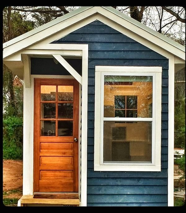 Best 25 tiny house exterior ideas on pinterest tiny for Small house exterior