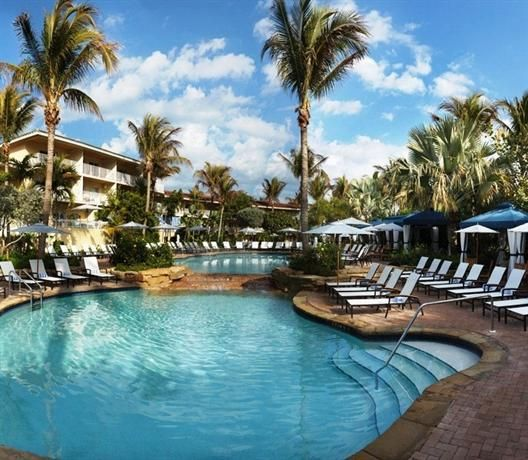 La Playa Beach and Golf Resort is set on a stunning stretch of Naples beach making it one of the top resorts in Florida. The Best Gulf Coast Family Resorts in Florida - Along for the Trip