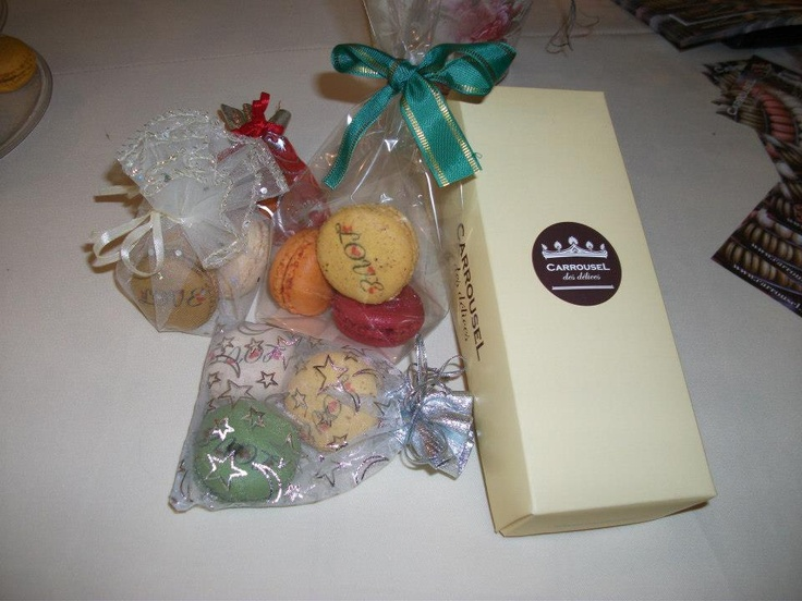 Macarons inscripționați cadou. #timisoara #carrouseldesdelices