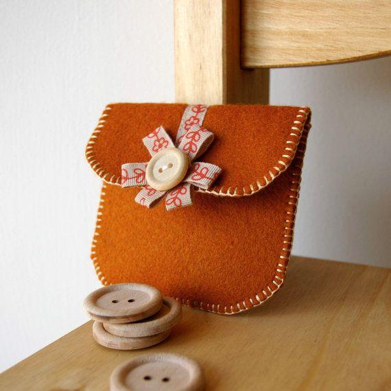 Wool Felt Coin Purse (Sweet Cinnamon) by Loft Full of Goodies
