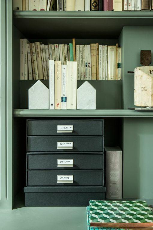 bureau, classeurs, lampe, boîtes, rangement, ranger, papier, classer, on range tout