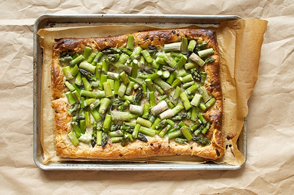 Asparagus and Gruyere Tart | Eats and Drinks | Pinterest