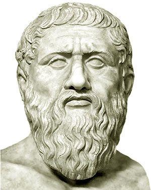 Platón fue un filósofo griego. Junto con su maestro Sócrates y su discípulo Aristóteles, Platón es la figura central de los tres grandes pensadores en que se asienta toda la tradición filosófica europea.  La circunstancia de que Sócrates no dejase obra escrita, junto al hecho de que Aristóteles construyese un sistema opuesto en muchos aspectos al de su maestro, explican en parte la rotundidad de una afirmación que puede parecer exagerada.