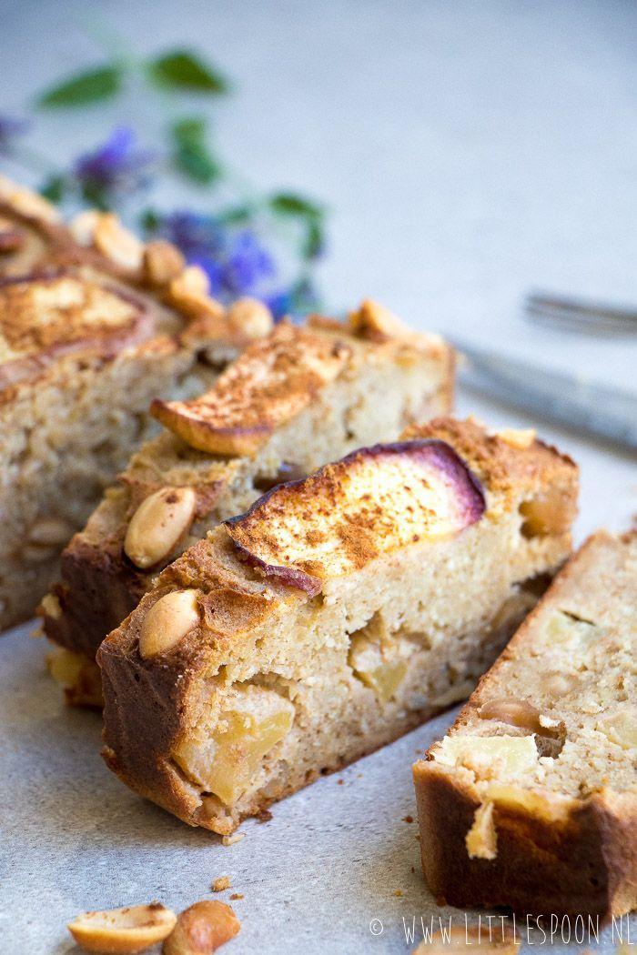 Dutch recipe | healthy oatmeal cake with peach & apple | Gezonde havermoutcake met appel en perzik | littlespoon.nl