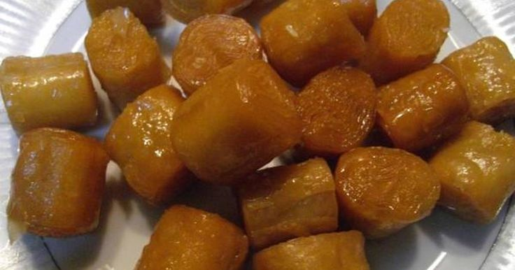Εξαιρετική συνταγή για Κουρκουμπίνια. Κλασσική αγαπημένη συνταγή απο τη Βέφα Αλεξιάδου. Λίγα μυστικά ακόμα Ο χρόνος για το σιρόπιασμα είναι ενδεικτικός. Μπορεί να τα θέλετε πιο σιροπιασμένα οπότε θα πρέπει να τα αφήσετε λίγο παραπάνω.Αν θέλετε να παραμείνουν κριτσανιστά μην τα σκεπάσετε.Ευχαριστούμε την ANGOLINA για τις φωτογραφίες βήμα βήμα.