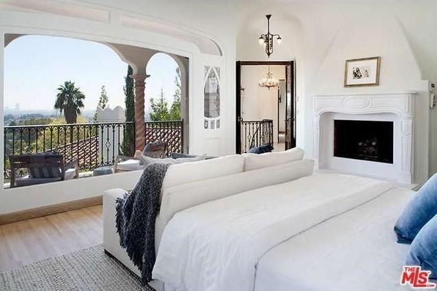 Sia - 10 most romantic celebrity bedrooms