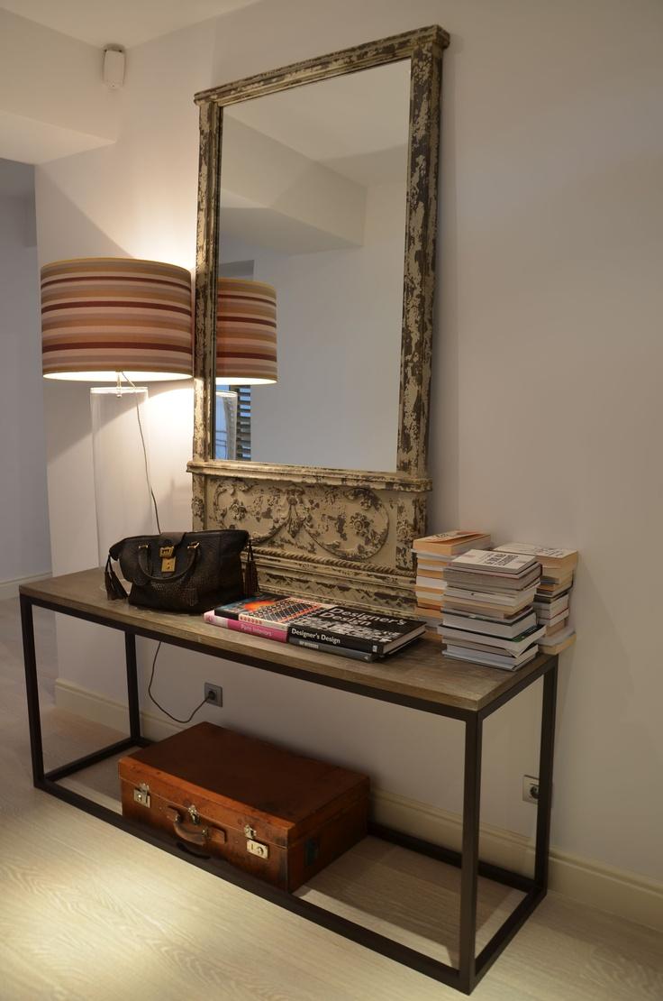 Apartment Bucharest. Interior design by Anda Roman.   http://visuell.ro/acasa-la-anda-roman.html