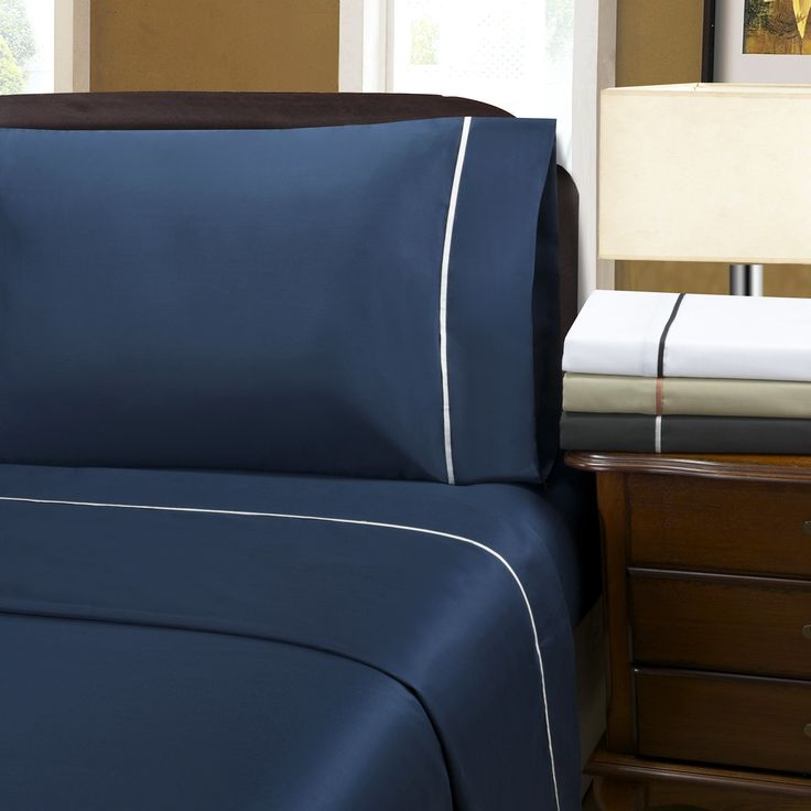 Superior Wrinkle Resistant 600 Thread Count Bahama Solid Deep Pocket California King Size Sheet Set in Navy Blue