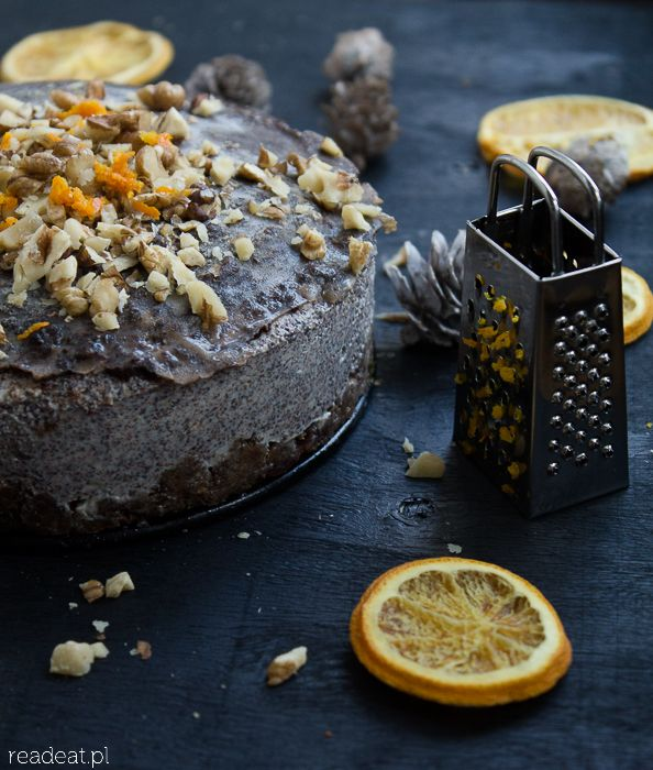 Raw Christmas poppyseed cake