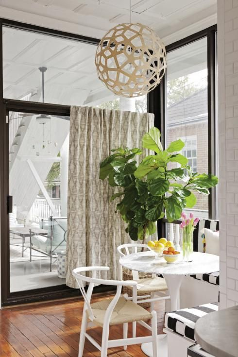 white chairs: Dining Rooms, White Chairs, Charleston Magazines, White Tables, Lights Fixtures, Breakfast Nooks, Interiors, Kitchens Nooks, Design Spaces Love Hom