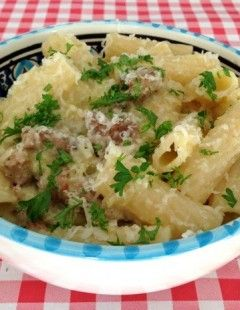 Pasta met worst en prei | Dit recept uit de boere Italiaanse keuken vind je op AllesOverItaliaansEten