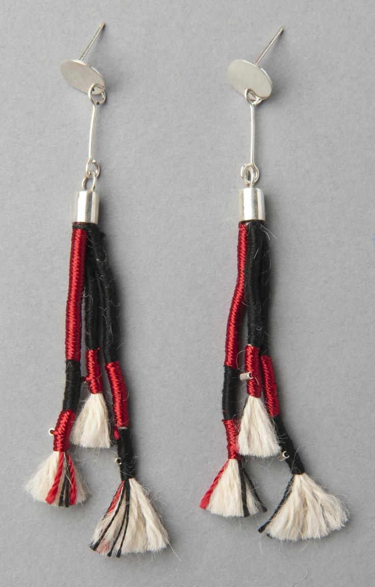 Coiled Earrings Inspired by the Checkered Unku Inka/ Aros embarrilados inspirados en el Unku Inka ajedrezado