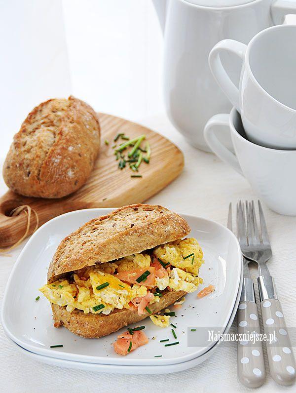 Jajecznica z łososiem i szczypiorkiem #jajecznica #łosoś #salmon #śniadanie #food #scrambled #eggs #Breakfast