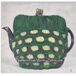 WZ908. Cute retro tea cosy in slip stitch and rib knitting.Easy 60's pattern, one of 3 in this leaflet.