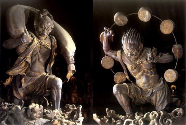 【京都・三十三間堂/風神・雷神像(鎌倉中期)】風神雷神共に、古代インドの自然神でしたが、三十三間堂の2体は風袋を持ち、或いは雷太鼓を背負い、その後の日本での風神雷神のイメージを決定づけた原点と言われます。 #仏像