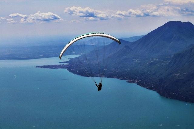 Parapendio sul Monte Baldo (VR)    hovering like a fly | vrncf.net  www.camperingiro.blogspot.it
