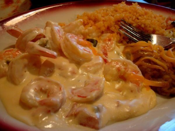 Los camarones en crema chipotle son uno de los platos más ricos que podemos hacer con este agradecido producto que nos da el mar, el camarón. A continuación te...