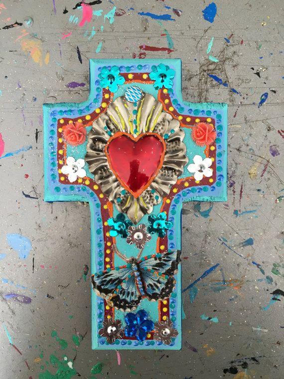 Ornement étain Sacré-cœur ex-voto sur milagro Sacré-cœur métal Croix en bois / mexicain / / art OOAK / mexicain amour coeur cadeau de mariage