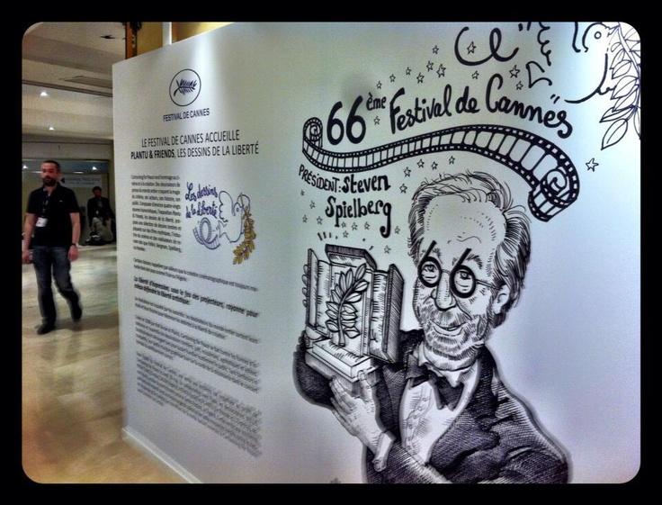#Spielberg vu par #Plantu pour l'expo #CartooningPeace – à #Cannes.