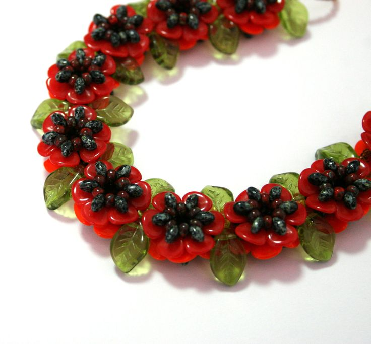 Flanders Poppies from Preciosa-ornela.  free pdf. ~ Seed Bead Tutorials