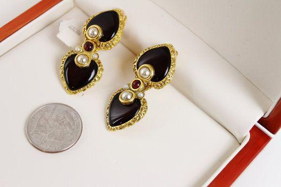 Barrera Pearl & Red Gripoix  Earrings. by Jewelrin on Etsy