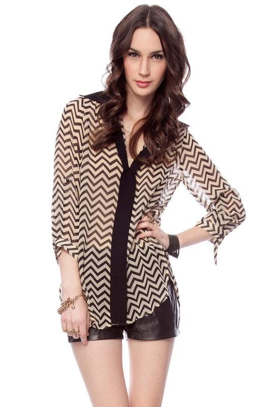 Chevron blouse: Chevron Patterns, Chevron Style, Awesome Clothing, Fun Tops, Ziggy Blouses, Chevron Mania, Chevron Shirts, Chevron Sheet, Chevron Blouses