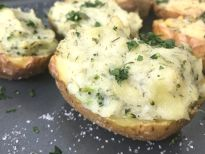 These broccoli ranch twice baked potatoes have crispy salty potato skins and a creamy ranch mashed potato filling. Plus they're Whole 30 compliant!
