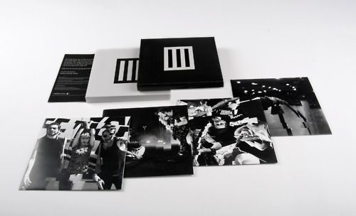 """Singles Club box set featuring: 3 unreleased Paramore studio recordings, Bars T-shirt, exclusive access to 'Singles Only' club merchandise, and a limited edition 7"""" box set (pictured)."""