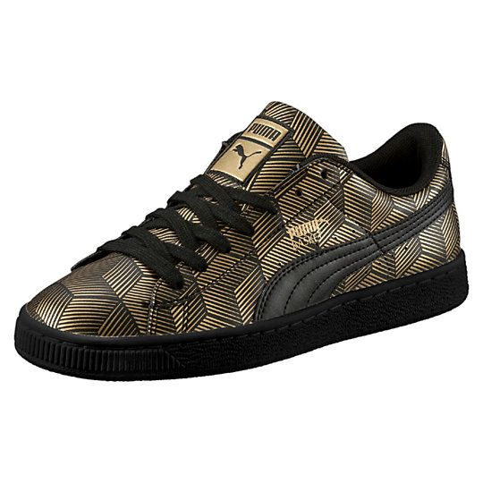 <p>Sleek and streamlined, the PUMA Basket originally hit the scene in the '60s as a basketball warm-up shoe, but it was quickly adopted by the hip hop crowd and transformed into a pop culture icon. This evolution includes a metallic graphic print to ensure you stand out.</p><p>Features</p><ul><li>Synthetic upper with metallic graphic print</li><li>Lace closure for a snug fit</li><li>Rubber outsole for grip</li><li>PUMA Formstrip at lateral and medial sides</li><li>PUMA Logo label at…