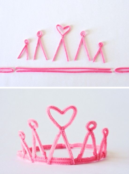 How cute are these princess crowns and wands? Both can be made with pipe cleaners for awesome party favors.
