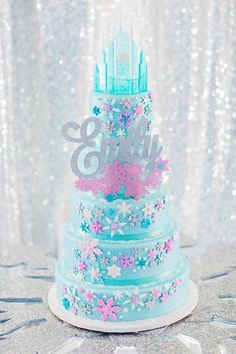 Over the Top FROZEN Birthday Party {PART 2} - Ice Castle Party + Dazzling Desserts // Hostess with the Mostess®