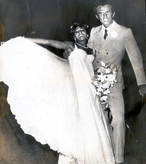 Shirley Bassey with her second husband, former European hotelman Sergio Novak at their wedding in 1968.