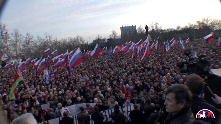 Севастополь против фашизма! 50 000 горожан поют Вставай, страна огромная!