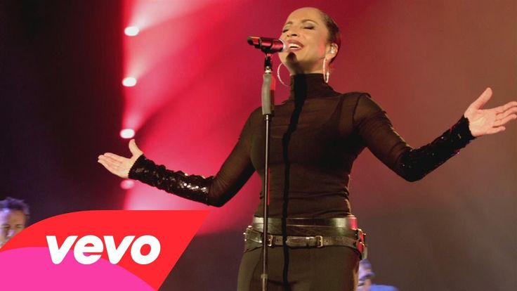 "Sade  ""Your Love Is King""   (Live 2011)"